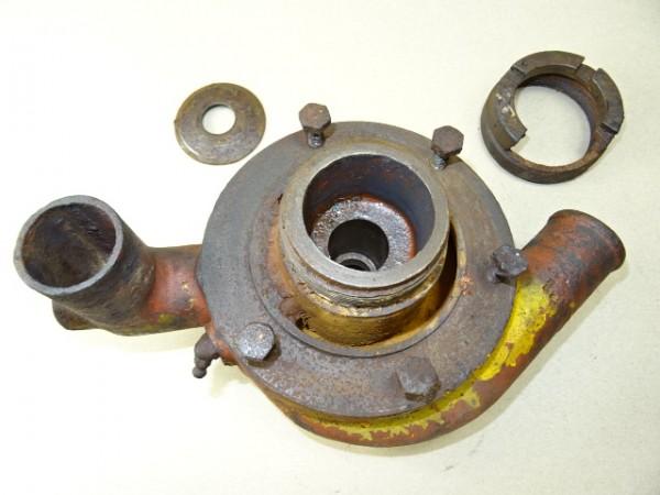 Gehäuse für Wasserpumpe für D57 Motor vom Hanomag R40 R45 Traktor