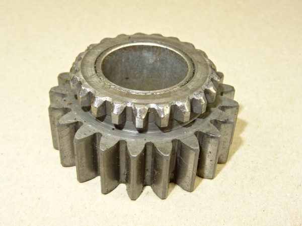 Rücklaufrad 231 101 081 040 Zahnrad für Getriebe vom Fendt GT S 231 Geräteträger Traktor