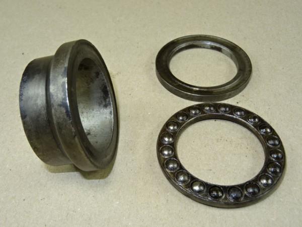 Buchse für Kugellager für ZP A5 Getriebe vom Fahr D130 H Traktor