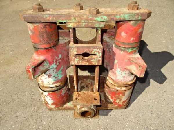 Achsbock 1730100/3 für Vorderachse vom Fahr D130 H Traktor