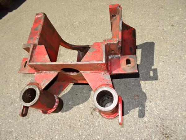 Vorderachsbock Achsbock für Vorderachse vom Fahr D17 Traktor
