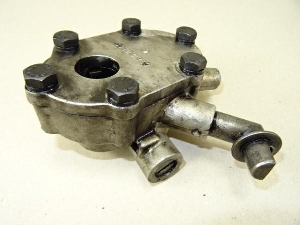 Ölpumpe für Motor vom Porsche Diesel T 217 Traktor Schlepper