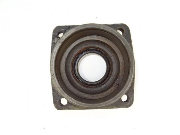 Dehnschraube für Zylinderkopf vom 3L79 Motor für Güldner G30 S Traktor