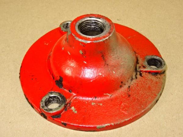 Verschlussdeckel für Traktormeter Winkelgetriebe von 3L79 Motor vom Güldner G30 S Traktor