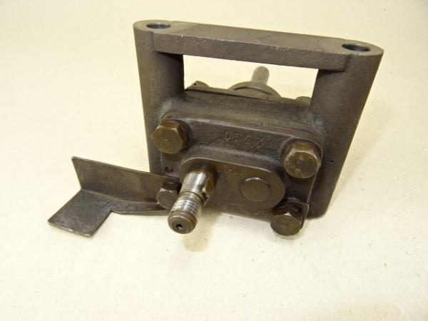 Ölpumpe (nicht geprüft) für MWM KDW 415 E Motor vom Hela Lanz D15 Traktor