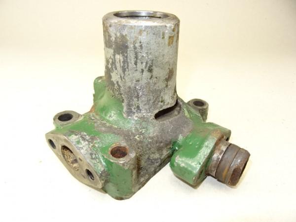 Gehäuse Wasserpumpe vom MWM KDW 415 E Motor für Fendt F15 u. Hela D14 D15 Traktor