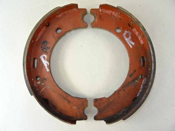Bremsbacken für Perrot Bremse für Hela Lanz D15 Traktor