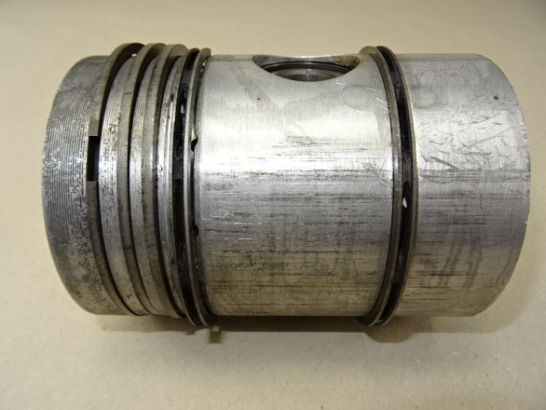 Kolben (Ø99,8mm) vom MWM KD 415 Z Motor für Fendt Dieselross F25 F28 Traktor
